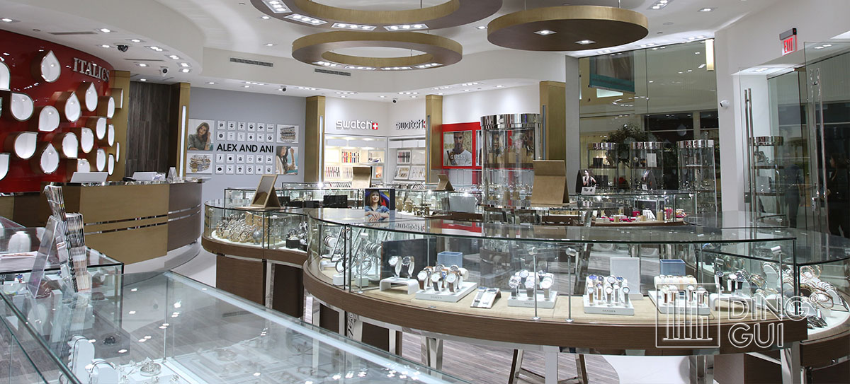 Luxury Custom Jewelry Showcases Design