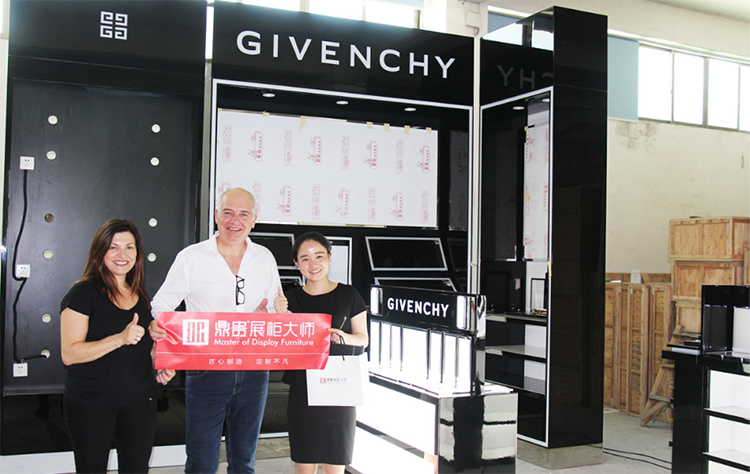 【Australia】 Luxury Cosmetic Givenchy Store