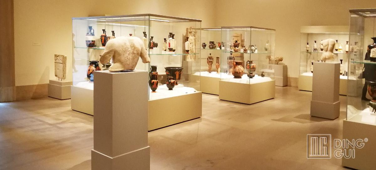 Chinese Museum Display Showcase